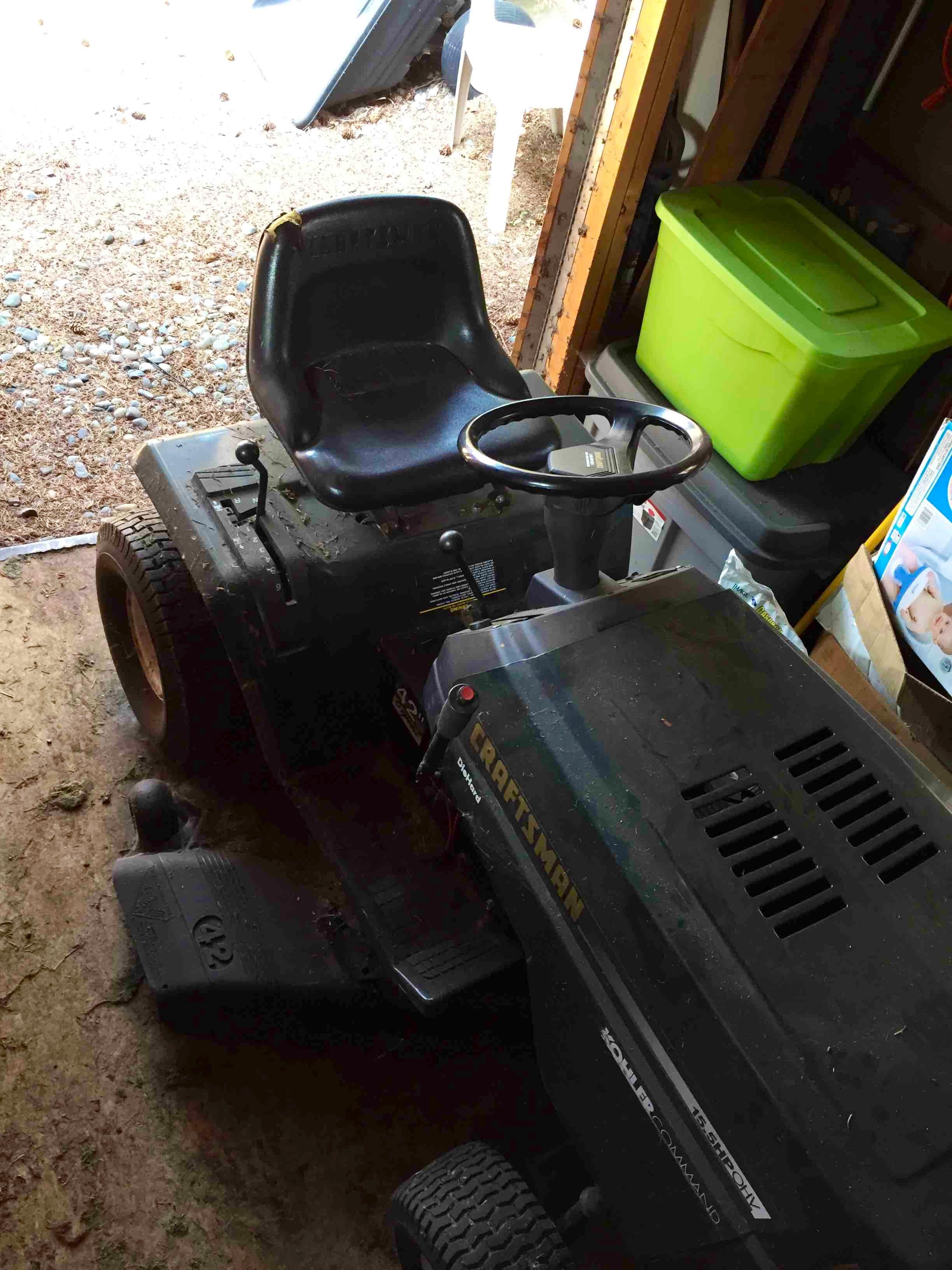 Riding Lawnmower - 6Speed
