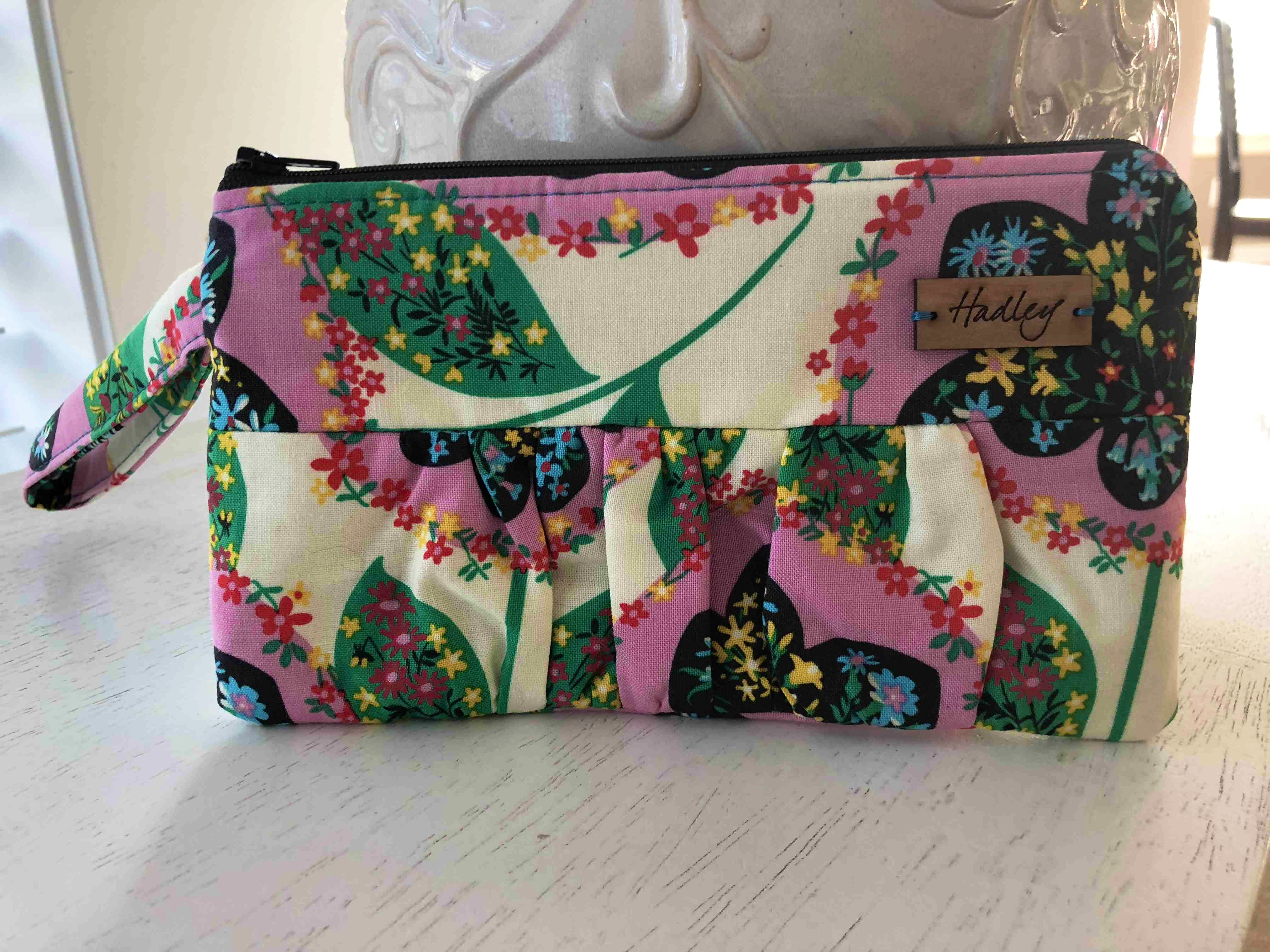 Adorable Zippered Pouch *NEW*